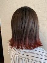 アヴァンティ ヘアーアンドスパ(avanti hair&spa)ワインレッドの裾カラー