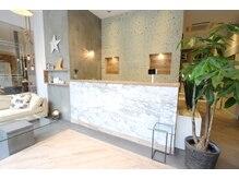 オーブ ヘアー ベリー 松山店(AUBE HAIR very)の雰囲気(開放感のある明るい店内で、くつろぎの時間をお過ごしください。)