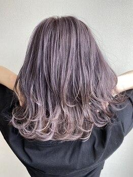 """パチャールヘアー(PACAR HAIR)の写真/色味と透け感の調整で、女性らしさを惹きたてるスタイルに☆""""さりげなく可愛い""""がアナタの魅力度をUP♪"""