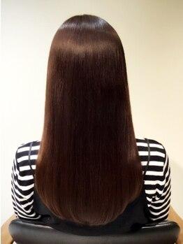 ロビンソン(HAIR ROBINSON)の写真/【月曜営業】髪質改善専門店のこだわり薬剤が◎スーパーストレートエステでまとまるサラサラしっとり美髪♪