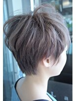 ブリーチのラベンダーアッシュ+ショートヘア画像