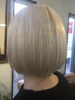 コレットヘア(Colette hair)ホワイトブリーチ