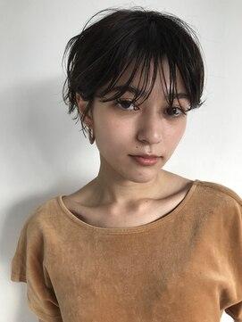 ナヌーク シブヤ(nanuk shibuya)ウェット感がオシャレな女性らしいショートヘア