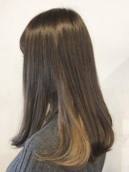 スタジオキキ(STUDIO KiKi)の写真/93%が自然成分の《AVEDAカラー》で理想のカラーを実現。大切な髪をいたわりながらツヤと深み溢れる色味に―