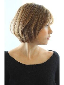 レウナ 外苑前(Reuna)30代、40代人気 お手入れ簡単ニュアンスショートボブ