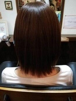ストロボヘアー(Stro Bo hair)の写真/Stro-Boこだわりのオーガニックカラーでツヤツヤに☆髪と頭皮に優しいハーブエキス配合のカラー剤を使用♪