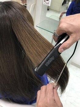 ヘアーシェイク(hairSHAKE)の写真/4種のタイプ別薬剤であなたのなりたいイメージも思いのまま。お悩み髪もサラ艶まとまりstyleへ変身♪