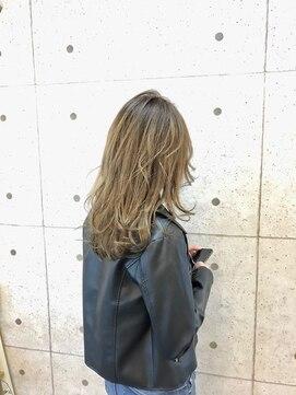 ヘアーデザイン ハック(HAIR Design HaC)【HaC】 セミロングフェザー×フォギーベージュ