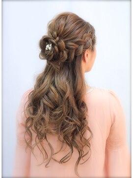 髪の結び方22選・用意したいアイテム・髪を結ぶポイント