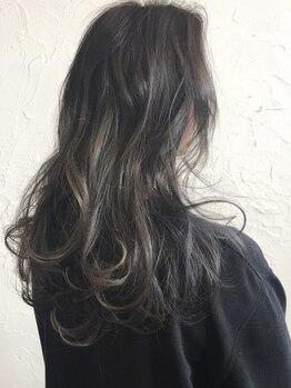 ヴェルデ verdeの写真/髪を極力傷ませない施術が好評!トレンド発信サロンがデザインする《最旬☆verdeオリジナルカラー》は必見♪