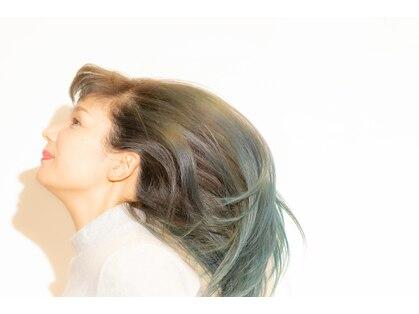 ブルーアイド ガール(blue eyed girl)の写真
