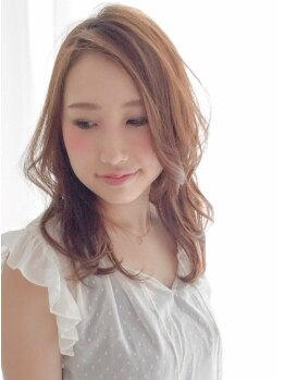 ヴィアラ ヘアー(ViaLa Hair)の写真/光を透かしたような透明感ある色味を実現!!艶、発色、モチの良さ◎あなたに似合う旬なカラーに♪