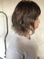 ヘアアンドビューティー クローバー(Hair&Beauty Clover)グレージュ ボブ