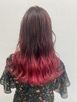 ヘアーアイストゥーレ(HAIR ICI TRE)派手髪ピンクグラデーションカラー