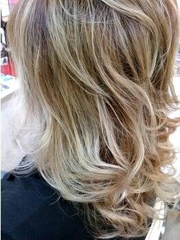 """ピア ヘアーズ PIAA hair'sの写真/透明感のある外国人風はもちろんキメすぎない抜け感のあるデザインも☆ONLY ONEの""""あなた色""""を楽しんで♪"""