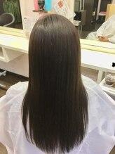 イヴァルヴ(EVOLVE)30代40代ツヤ髪カラー
