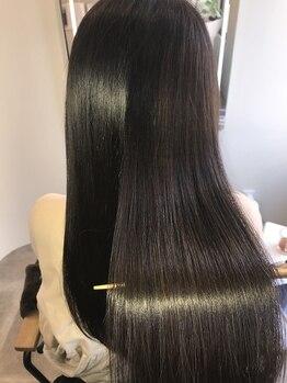アールサロンプラス キャスパ ジユウガオカ(Rrsalon+ CASPA JIYUGAOKA)の写真/≪注目☆プラチナミネコラ≫髪の深部まで潤い補給。圧倒的ツヤ感となめらかな指通りが叶えられる♪