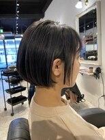 アンティガシス(Antiga VI)透けるダークブルージュで美髪に★コンパクトミニボブ
