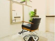 シィータ(THETA)の雰囲気(個室を2席とペア席をご用意してプライベート空間を確保)