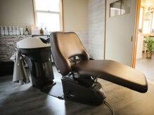 ヘア エデュケーション アニマ(hair education Anima)の雰囲気(フルフラットのシャンプー台で至福のひとときを…。)