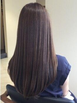 ロビンソン(HAIR ROBINSON)の写真/【月曜営業】髪質改善専門店ならではの,こだわり抜いた薬剤とトリートメントで髪も頭皮も本質的に徹底ケア!