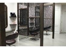 グランヘアー 豊岡店(GRAN HAIR)の雰囲気(席は半個室になっているので、ゆったりと過ごせます。)