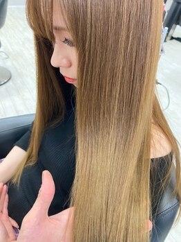 ヘアアンドメイク サファイア 豊橋店(ヘア&メイク SAPPHIRE)の写真/不自然なストレートとはもうさよなら!SAPPHIREオススメの【エアーストレート】で抜群に指通りのいい髪へ♪
