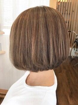 """ブルーヘアー デザイン(Blue.hair design)の写真/透明感あふれる""""外国人風""""を創る技アリの似合わせカラーが人気!ジェルコートカラーでさらに艶々♪"""