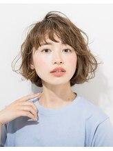 ヘアーアンドファッションシオミエイチ (hair&fashion shiomi H)ゆるふわ外はねシースルーバングボブ