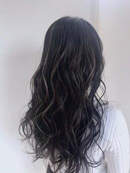 アトレ(ATRE)の写真/【六地蔵/2席のみ】ナチュラルカラーは《ATRE》にお任せ♪暗髪でも透明感たっぷりの艶カラーへ。
