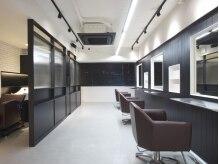 ヘアーラウンジダブリュー(Hair Lounge W)の雰囲気(クラシックが流れる店内でゆったりお過ごしいただけます)