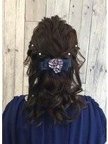 ヘアースペース ムーン(Hair Space MOON)ユルフワ編み込みダウンハーフアップスタイル