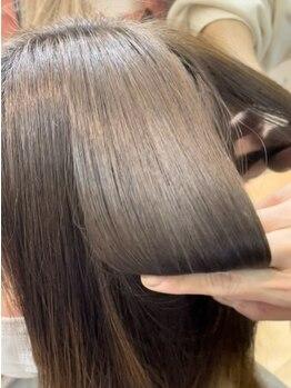 ビーチ 宮原店(Beach)の写真/新メニュー『シルクストレート』導入!髪に負担の少ない薬剤で、手触り・ツヤどちらも叶う酸性縮毛矯正♪