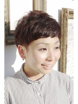 ナイン(9 nine)外国人風 × 柔らか ニュアンスベリーショート