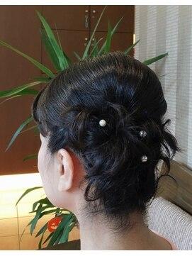 ドゥ プログレス(de Progress)まとめ髪
