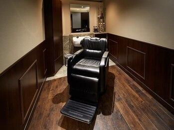 ネクサス グラン 広尾店の写真/【完全個室あり】上質感溢れる空間。トータルで身嗜みを整え、ワンランク上の男性へ[広尾]<理容室>