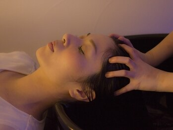 リジェールビューティガーデン(REJOUIR BEAUTY GARDEN)の写真/【本陣駅徒歩5分】ヘッドスパ専用個室あり★癒しのはちみつSPAのマッサージで髪も心もリラックス♪