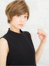 ヘアサロン ナノ(hair salon nano)明るめグレージュカラーの外国人風ショートヘア