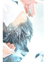 ・天然クレイパックのヘッドスパ 【mellで頭皮と髪をキレイに!】