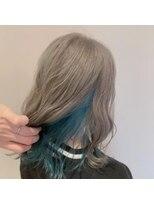 ネオヘアー 曳舟店(NEO Hair)【インナーカラー】シルバー×スカイブルー(曳舟)