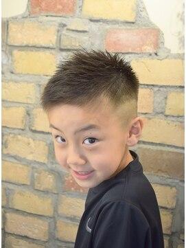 子供 髪型 短髪 キッズ(男の子)の髪型58選!2021トレンドは?切り方【動画】も!