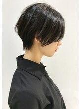 ゴッソ(gosso)ばっさりサロンスタイル 黒髪奥行きショートボブ