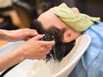 メンズサロン エクシア ブラト(brat)の写真/エクシアのヘッドスパで頭皮のベタつき、臭いもスッキリ!人気の体メニューもオススメ!疲れもスッキリ♪