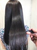 アンフィフォープルコ(AnFye for prco)【AnFye for prco】つるつるの艶髪ストレートヘア