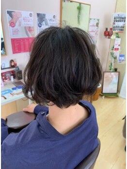 ミンピ(Mimpi)の写真/人気の『仕上がりの艶感続く…オイルカラー!』『デリケートな頭皮にも対応可能…輝髪ザクロペインター!』