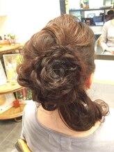 ヘアアンドメイク 文月(Hair&Make)フラワーモチーフヘアーセット