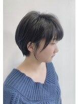 カイノ 三宮店(KAINO)マットアッシュ で 襟足すっきり 耳掛けショートヘア