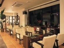 ダアッカ(da acca)の雰囲気(カフェとサロンの融合スペース。ゆっくりくつろいで下さい。)