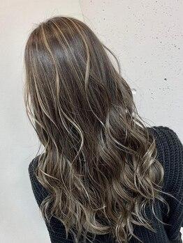 オルサヘアー(ORSA HAIR)の写真/デザインカラーが圧倒的な支持率No.1★経験豊富なスタイリストによる透明感のある繊細なカラーが大人気!