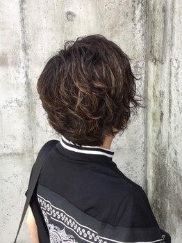ヘアーディレクションイアス (HAIR DIRECTION eAs)の写真/《eAs》では髪と地肌に優しいカラー剤を使用しているので、白髪染めを繰り返してもダメージが気にならない!
